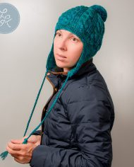 Cap_with_emerald_green_pompon_and_ears_02