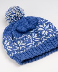 blue_woolen_cap_with_norwegian_pattern1