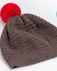 chocolate_brown_hat_with_red_pompom01