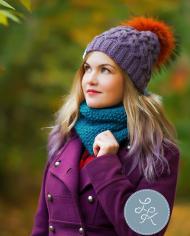 Нежная фиолетовая шапка с аранами